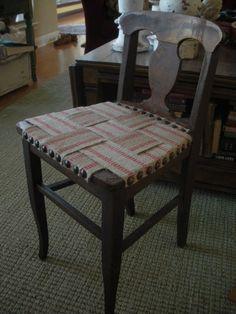 Jute webbing seat - how to Diy Furniture Redo, Recycled Furniture, Furniture Projects, Painted Furniture, Diy Projects, Diy Chair, Chair Fabric, Bar Stool Makeover, Chair Repair