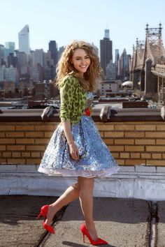 AnnaSophia Robb as a young Carrie Bradshaw in the upcoming Sex and the City prequel The Carrie Diaries