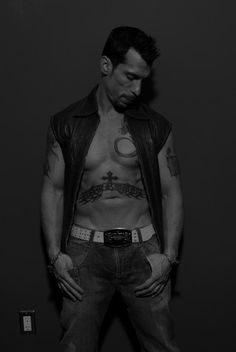 I always loved Danny. He was my favorite when I was and and still is to this day. <3 NKOTB ~ Danny