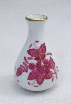 Herend Hungary White Gold & Pink Chinese Bouquet Raspberry Miniature Vase