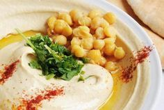 Hummus With Sesame Oil Gives a Milder Taste Than Traditional Tahini