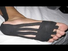 taping and running! Maybe I should try this for my high arches Health And Beauty, Health And Wellness, Health Fitness, Wellness Tips, Peroneus Longus, K Tape, Kinesiology Taping, Excercise, Healthy Tips