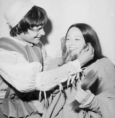 """Olivia Hussey and Leonard Whiting during production of """"Romeo and Juliet"""" Olivia Hussey, Movie Couples, Cute Couples, William Shakespeare, Zeffirelli Romeo And Juliet, Leonard Whiting, Becoming An Actress, Film Base, Great Love Stories"""