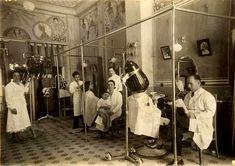 Antiga perruqueria de Barcelona.  M.Carme.