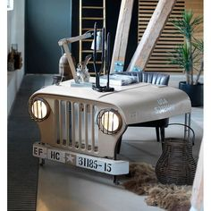 Best Wrangler Jeep Accessories Near Me • Gifts For Men Who Have Everything • This Jeep Desk Would Make A Cool Gift For Him • Ex Army Forces Make His Day Uk. USA. Eu