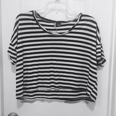 Sparkle & Fade Oversized Crop Tee Pre loved black + white striped oversized crop tee by Sparkle & Fade. Purchased from UO. Worn but still in great condition, no flaws (ie: rips or stains) Urban Outfitters Tops