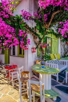 Kythnos, Greece Reiseziele in Europa Bougainvillea, Places Around The World, Around The Worlds, Wonderful Places, Beautiful Places, Greece Islands, Photos Voyages, Balcony Design, Greece Travel