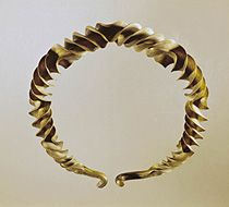 06-03-01/68 Heavy gold necklace....