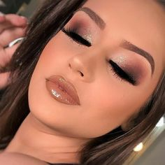 46 Stunning Makeup Ideas For Daily You Can Try Being addicted to makeup isn't necessarily a terrible thing, provided that the addiction doesn't become too overbearing for you and […] Dramatic Eye Makeup, Colorful Eye Makeup, Blue Eye Makeup, Eye Makeup Tips, Skin Makeup, Makeup Inspo, Eyeshadow Makeup, Makeup Inspiration, Makeup Ideas
