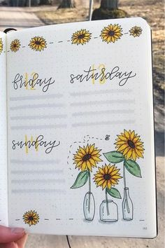 Check out the best sunflower themed bullet journal spreads and layouts for inspiration! aesthetic drawing Best Sunflower Bullet Journal Spreads For 2020 - Crazy Laura Bullet Journal School, Bullet Journal Inspo, Bullet Journal Spreads, Bullet Journal Lettering Ideas, Bullet Journal Banner, Bullet Journal Notebook, Bullet Journal Aesthetic, Bullet Journal Ideas Pages, Bullet Journal Layout