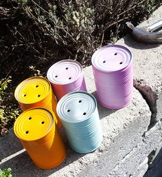 Tin can planters Tin Can Crafts, Jar Crafts, Diy And Crafts, Paint Can Planters, Metal Planters, Garden Projects, Craft Projects, Garden Ideas, Boho Deco