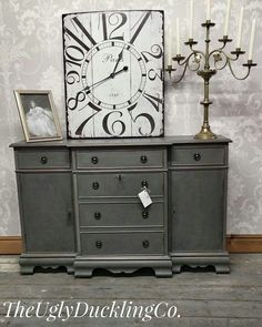 Colour mixing - Annie Sloan Paris Grey and Graphite. Clear and Dark wax Rustic Grey Bedroom, Grey Bedroom Furniture, Dining Furniture, Rustic Furniture, Cool Furniture, Furniture Ideas, Furniture Design, Grey Bedrooms, Repurposed Furniture