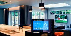 خانه های هوشمند اصطلاحی است که به خانه های مدرن که مالک آن قادر به کنترل لوازم خانگی، روشنایی و دستگاه های الکترونیکی از راه دور توسط یک اپلیکیشن در گوشی هوشمند خود است گفته می شود دستگاه های هوشمند نصب شده با هم در ارتباط بوده و امکان هماهنگی فعالیت های آن ها با یکدیگر وجود دارد.