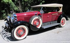 1928 Cadillac Dual Cowl Sport Phaeton ════════════════════════════ http://www.alittlemarket.com/boutique/gaby_feerie-132444.html ☞ Gαвy-Féerιe ѕυr ALιттleMαrĸeт   https://www.etsy.com/shop/frenchjewelryvintage?ref=l2-shopheader-name ☞ FrenchJewelryVintage on Etsy http://gabyfeeriefr.tumblr.com/archive ☞ Bijoux / Jewelry sur Tumblr