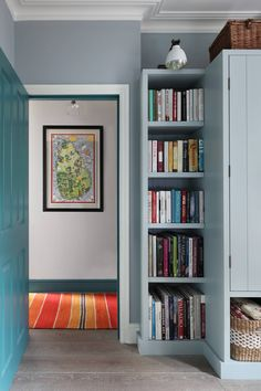 A young designer's artful renovation of the ground floor flat of a Victorian terrace Ground floor flat of a Victorian terrace renovation by the designer Sarah Peake Home Bar Areas, Colorful Apartment, Interior Architecture, Interior Design, Interior Colors, Victorian Terrace, Built In Bookcase, Bookcases, Eclectic Design