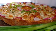 Cesnakový koláč s bryndzovou plnkou