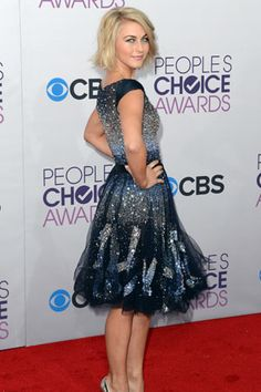 Julianne Hough at the People's Choice Awards.. Yippee modest dress!!! Classy and beautiful!!