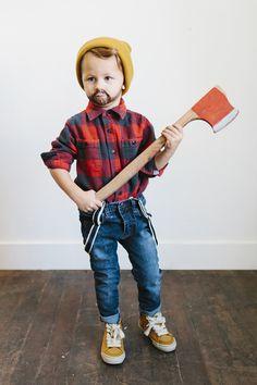 Easy + too cute kids lumberjack halloween costume ideas!   little peanut magazine #halloween