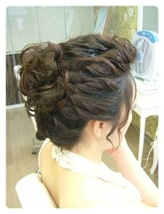 short hair curled updo by Jen Munday