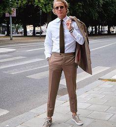 Regram from @edwinnenzell in his handmade MTM suit #solaro #wool #roseandborn