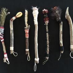 Brush Drawing, Drawing Tools, Homemade Art, Handmade Paint, Painting Tools, Artist Art, Artist Brush, Mark Making, Paint Brushes