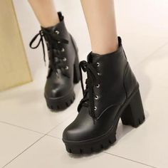 Womens Ladies British Block Heel Round Toe Lace Up Platform Crepper Ankle Boots Chunky Heel Ankle Boots, Leather Heeled Boots, Black Ankle Boots, High Heel Boots, Ankle Booties, Black Platform Boots, Black High Heels, Thick Heels, Colorful Shoes