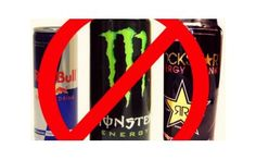 Energy drinks may not be as healthy as we think it is. Energy drinks are just everywhere. You can get some in corner stores, gas statio. Causes Of Kidney Disease, Kidney Disease Diet, Effects Of Energy Drinks, Diabetes, Good Pre Workout, Health Promotion, Monster Energy, Healthy Alternatives, Health Tips