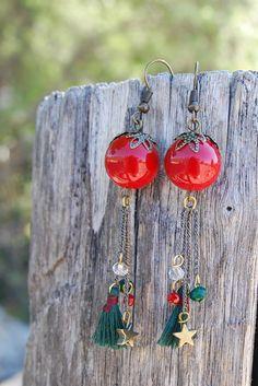 Christmas Red Earrings, Dangle Red earrings, Red Gifts, Red Gift Wife, Red Green Earrings, Green earrings, Forest Green Earrings, Holiday Earrings, Christmas Holiday, Festive Earrings, Winter Earrings, Xmas Earrings, Xmas Gifts, Stocking Filler, Secret Santa Gifts