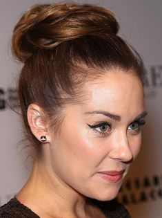 Celebrity Lookbooks: Lauren Conrad at 25th Birthday at Pure Nightclub, Las-Vegas. That makeup! I wish I could pull this off!