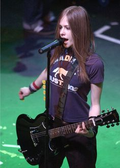 Last additions - 022 - AvrilPix Gallery - The best image, picture and photo gallery about Avril Lavigne - AvrilSpain.Com