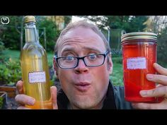 How to make strawberry gin and cinnamon bun gin. Christmas Food Gifts, Homemade Christmas Gifts, Homemade Gifts, Strawberry Gin, Flavoured Gin, Gin Recipes, Peppermint Bark, Grow Your Own Food, Permaculture