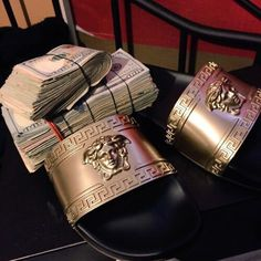 brand new 32e24 117e0 money and Versace image Shoe Game, Rich Lifestyle, Luxury Lifestyle, My  Money,