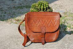 Tooled leather shoulder bag, boho tooled leather bag, 70s leather bag, boho shoulder bag, brown leather shoulder bag