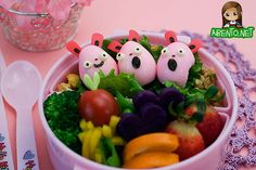 Bento box lunch (pink eggs!)