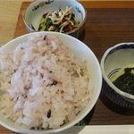ごはん食堂 桐家 - 料理写真:雑穀ご飯