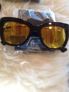1cf5fdb1341b 🆕💕QUAY Australia Breathe Of lIfe SUNNIES NEW in case yellow mirror  sunglasses