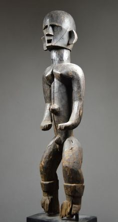 Statuette MONTOL, Nigéria - Catawiki Anatomy Sculpture, African Sculptures, Art Premier, Totem Poles, African Art, Art And Architecture, Wood Carving, Metal Working, Arts And Crafts