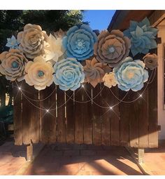 AMAZING PAPER FLOWER BACKDROP