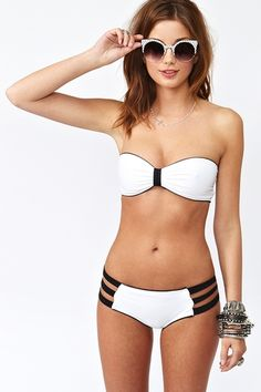 white and black bikini. want    Visit my site Real Techniques brushes makeup -$10 http://youtu.be/GN4old3cbs4   #bikini