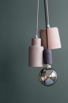 Matière brute et couleur douce pour ces suspensions Broste Copenhagen