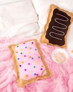 No-Sew Pop Tart Pillow (Aww Sam) DIY your Christmas gifts this year with GLAMULET. they are compatible with Pandora bracelets. DIY No-Sew Pop Tart PillowChristmas Is Christmas Is may refer to: Kids Crafts, Crafts For Teens To Make, Diy Projects For Teens, Cute Crafts, Diy And Crafts, Craft Projects, Cute Diys For Teens, Teen Sewing Projects, Diy Home Decor For Teens