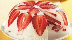 Tenhle skvělý dort má jen minimum kalorií a je velmi snadný na přípravu. Czech Recipes, Russian Recipes, Ethnic Recipes, Ice Cream Candy, Sweet Breakfast, Snacks, No Bake Cake, Cake Cookies, Panna Cotta