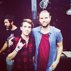 RYNO @RyanInTheLights  ·  15h 15 hours ago Met one of my favorite vocalists today @tilianpearson #dancegavindance