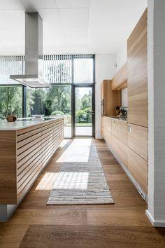 9 nye tendenser: Sådan skal dit køkken se ud i 2018 Open Kitchen And Living Room, Open Plan Kitchen Diner, Kitchen Diner Extension, Kitchen Room Design, Open Concept Kitchen, Kitchen Dinning, Home Decor Kitchen, Kitchen Interior, Nordic Kitchen