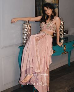 Take a cue from the stunning, super cute Yashaswini Dayama on how to rock this look at a wedding reception, a fancy dinner party or a soiree. Taking her SASS a notch higher, she proves that nothing trumps the chic appeal of a crop top cape outfit! 💗 Embroidery Online, Crop Top Set, Draped Skirt, Indian Bridal Fashion, Prom Dresses, Formal Dresses, Long Jackets, Boho, The Chic