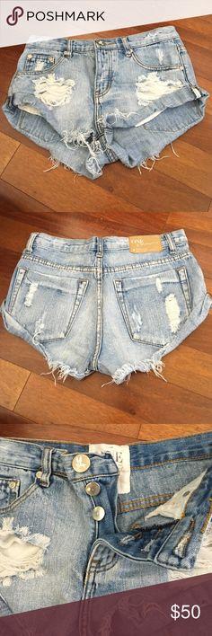 One Teaspoon Denim Shorts - Size 25 One Teaspoon Denim Shorts - Size 25 Light Wash.. Button up. One Teaspoon Shorts Jean Shorts