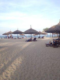 Da Nang Beach - Da Nang, Vietnam   Please like, repin or follow on Pinterest to have more interesting things. Thanks. http://hoianfoodtour.com/  #danangbeach