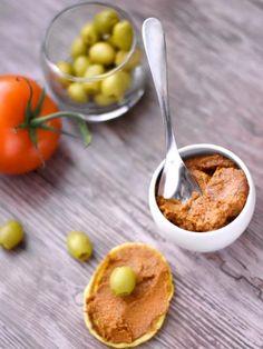 olive verte, concentré de tomate, huile d'olive, ail, basilic
