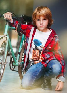 Mayoral Campaign Autumn Winter 2015/ Boys   kids on the runway
