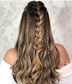 75 Awesome Box Braids Hairstyles You Simply Must Try - Hairstyles Trends Long Braided Hairstyles, Box Braids Hairstyles, Pretty Hairstyles, Medieval Hairstyles, Classic Hairstyles, Long Thin Hair, Braids For Long Hair, Hair Trends, Hair Inspiration